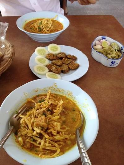 ข้าวซอยลำดวนฟ้าฮ่าม (Khaosoi Lamduan Faham) วิภาวดีรังสิต