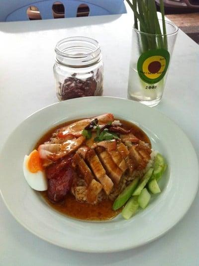 ข้าวหมูแดงหมูกรอบ เจ๊ณี สาขา3 (ลาดพร้าว 80)