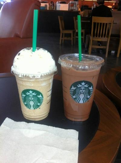 Starbucks (สตาร์บัคส์) เดอะพรอมานาด