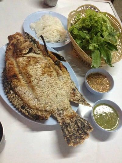หลังรามฯเมี่ยงปลาเผา (Lang Ram Pla Pao) สาขา 2 ซ.พระรามเก้า 40
