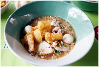 ก๋วยเตี๋ยวหมูต้มยำตำลึง (สูตรมะนาว) (Tom Yum Tum Lueng Noodle)