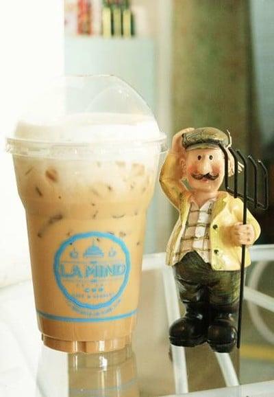 La Mind Café and Dessert (ลา มายด์)