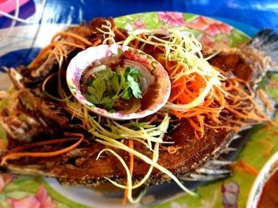 ครัวตะวันซีฟู๊ด (KHRUA TAWAN SEAFOOD RESTAURANT)