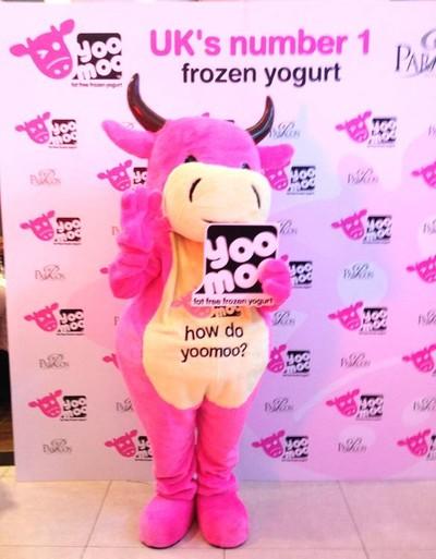 Yoomoo frozen yogurt (ยูมู โฟรเซ่นโยเกิร์ต) สยามพารากอน