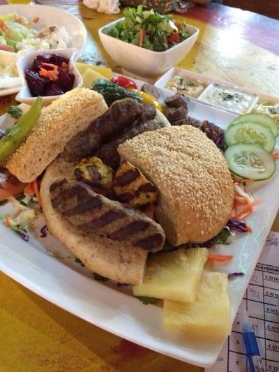 Sinthorn Restaurant (สินธร สเต็กเฮ้าส์)