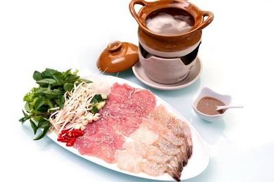 Madam T Vietnamese Restaurant (มาดามที)