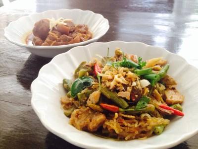 ข้าวอุ่น (Northern Thai Cuisine)