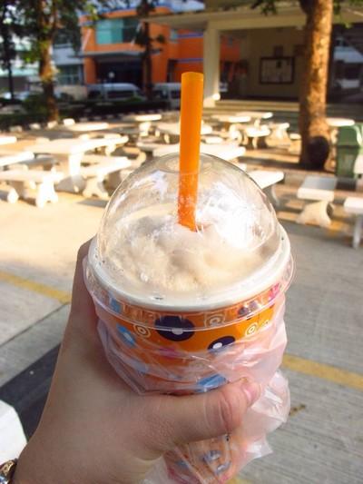 CM กาแฟ-นมสด (นมลุง)