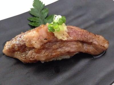 Wagyu nigiri ข้าวปั้นหน้าเนื้อญี่ปุ่น