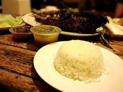 ร้านอาหารอิ่มปลาเผา (IM PLA PHAO RESTAURANT)