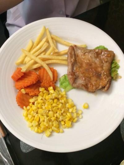 Relax Place Steak & Restaurant สินชัยธานี