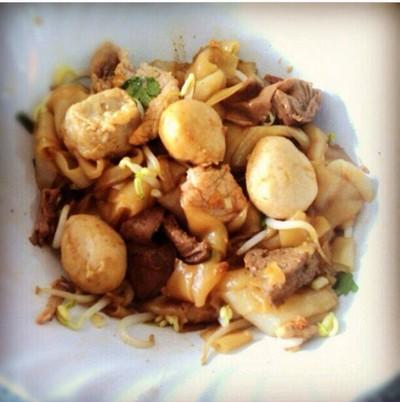 ก๋วยเตี๋ยวหมูสายเสมอ (Saisamur Pork Noodle)