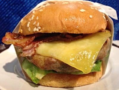 Chokchai Steakburger เซ็นทรัลลาดพร้าว