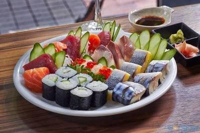 Sakana Sushi & Sashimi (สะกะนะซูชิแอนด์ซาซิมิ)
