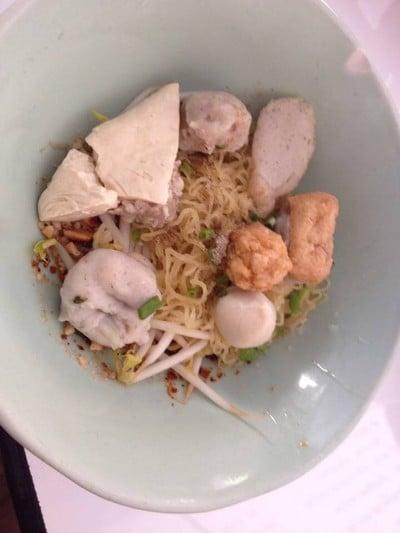 ก๋วยเตี๋ยวย่งเต้าฟู่ (Yong Tao Fu Noodle)