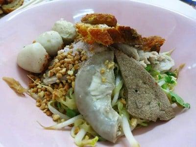ก๋วยเตี๋ยว 5 ใบเถา (Guay Tiew Ha Bai Tao)
