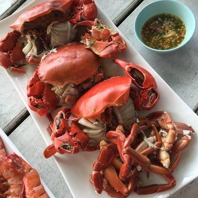 แม่สมจิตร (Maesomjit Seafood Restaurants) ชายหาดแหลมสิงห์