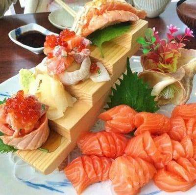 Sushi Mega (ซูชิ เมกะ) นครสวรรค์