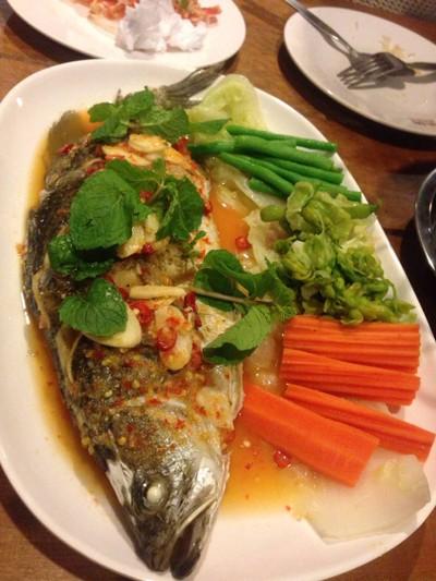 ข้าวสาร ข้าวสวย (Khao San Khao Suay)