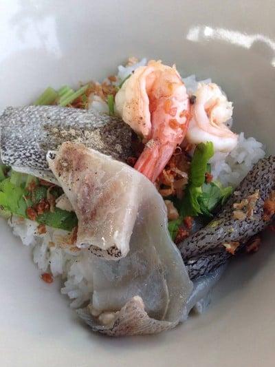 ข้าวต้มปลาอินทรีย์เจ้พัช