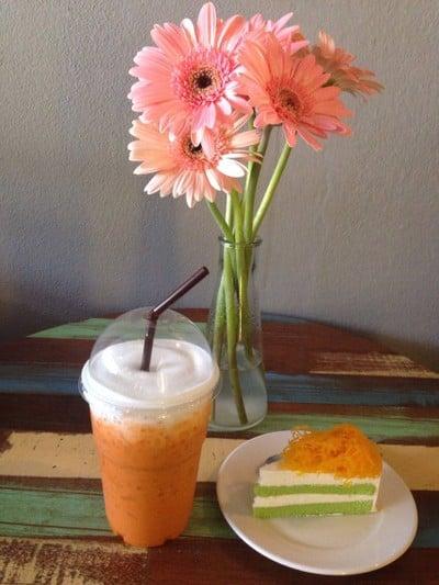เพลินจิต คาเฟ่ (Phloen Chit Cafe')