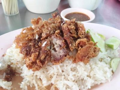 วาเลนข้าวมันไก่ (WALEN KHAO MAN KAI RESTAURANT)