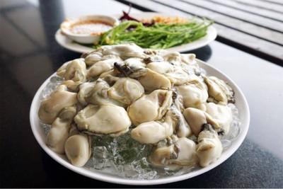 หอยนางรมสด (180฿)