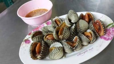 ไฟกลมธนา (Fai Klom Thana Restaurant)