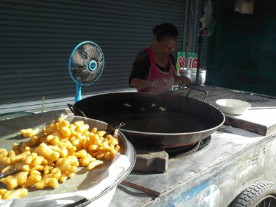 ปาท่องโก๋ ตลาดน้ำพุ จันทบุรี