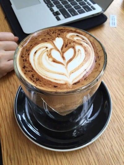 HELLO STRANGERS CAFE (เฮลโหล สเตรนเจอร์)