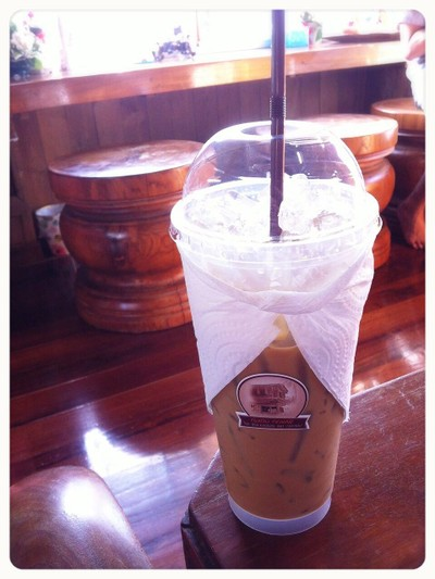 คุ้มเดิมคอฟฟี่ (Kum Dom Coffee)