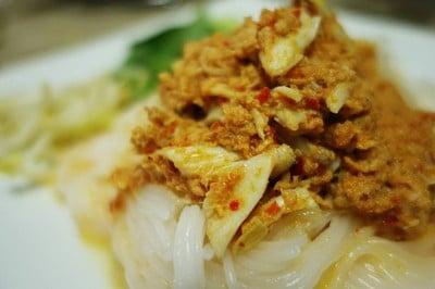 ขนมจีนน้ำยาปู เจ๊แจ๊ด (Kanom Jeen Nam Ya Poo Jay Jad)