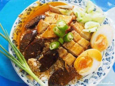 ข้าวหมูแดง สนทศ (Moo Daeng Son Tod)