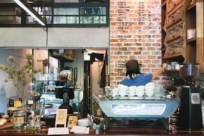 จิบกาแฟอร่อยในร้านคาเฟ่น่ารักแห่งสุขุมวิท 49