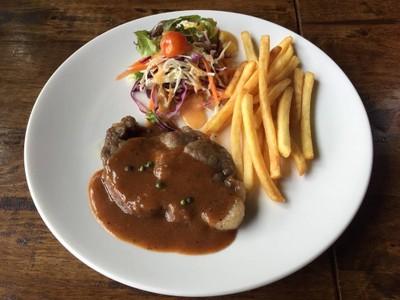 Steak Bar Fast & Easy (สเต๊กบาร์) ปั๊มปตท. ทางเข้าสนามบินนานาชาติ