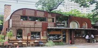 คาเฟ่โบกี้รถไฟสไตล์ Vintage American สดชิค ร้าน FASHION Cafe