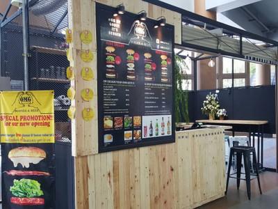 Omg Burger Aeon Mall Sriracha