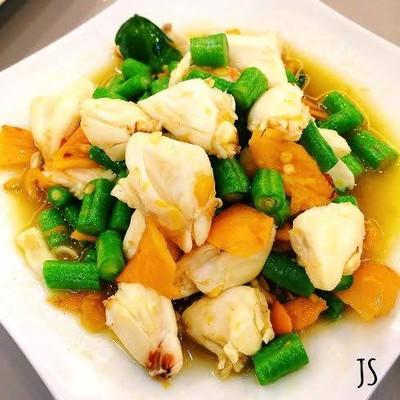 เนื้อปูแน่นๆผัดพริกเหลือง