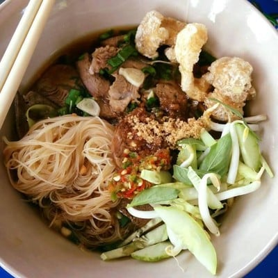 ก๋วยเตี๋ยวหมูเลียงป้าย่อนสะพานดำ (Moo Liang Noodle Sapandum)