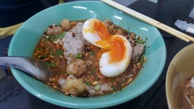เปลว นครปฐม ก๋วยเตี๋ยวต้มยำโบราณ (Plew Nakhon Pathom Noodle) ห้วยขวาง