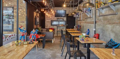 กินขนมหวานจิบเครื่องดื่มชิลล์ๆ กับเหล่าซุปเปอร์ฮีโร่ที่ Hero Cafe
