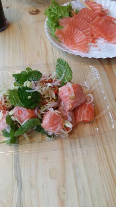 Tencho Salmon พร้อมพงษ์