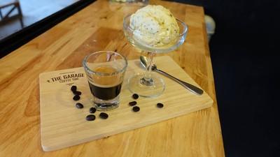 ด้วยความลงตัว ของกาแฟหอมหอมและไอสครีม ทำให้ได้รชชาติ เครื่องดื่มที่แปลกใหม่