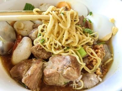 ก๋วยเตี๋ยวชมสวน (Chomsuan Noodle)