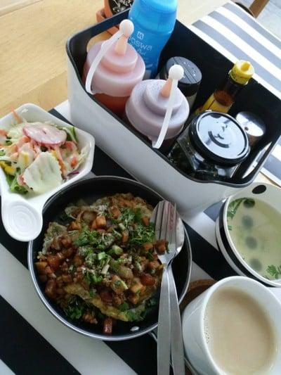 Happy Mori Cafe
