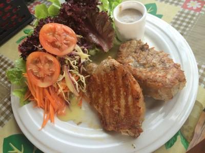 Little Garden Steak & Salad Bar (ลิตเติ้ลการ์เด้น สเต็ก แอนด์ สลัดบาร์)