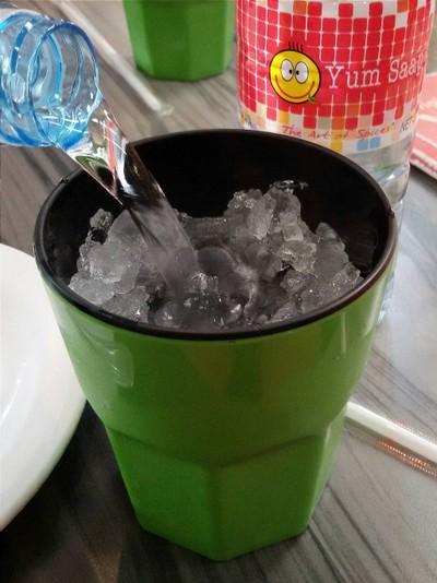 น้ำเปล่า 18.+,น้ำแข็ง 4.+