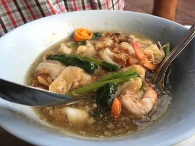 สมชาย ราดหน้ายอดผัก