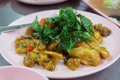 ในรู (Nai Roo Restaurant) นิพัทธ์อุทิศ 3 ซอย 1
