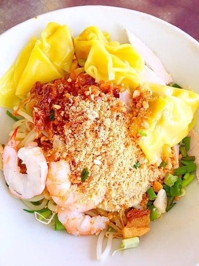 หมี่สมจิตต์ (Somchit  Hokien Noodle)
